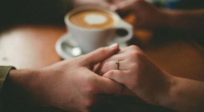 一个人、一杯茶、一首歌、一本书